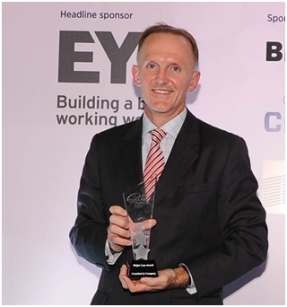 Mike Campbell-Pitt, General Manager - Greater China Zone & Managing Director, Crawford Hong Kong receives the award